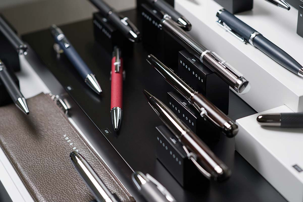 Hugo Boss Pen Display