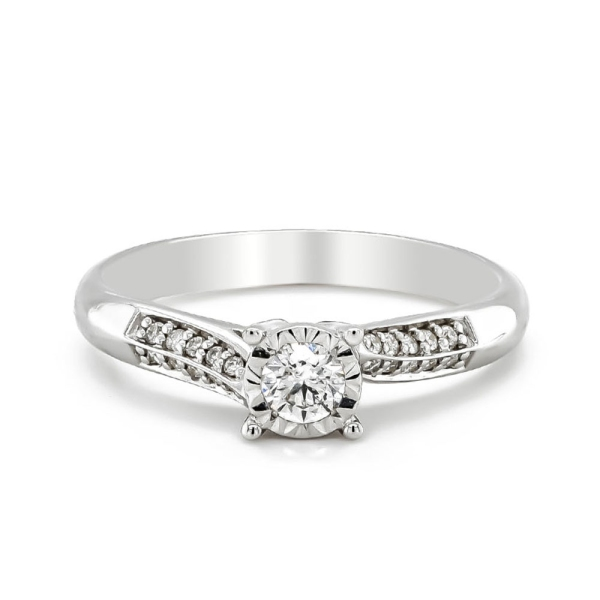 9ct White Gold Diamond Ring in an Illusion setting with Diamond Shoulders .19cts