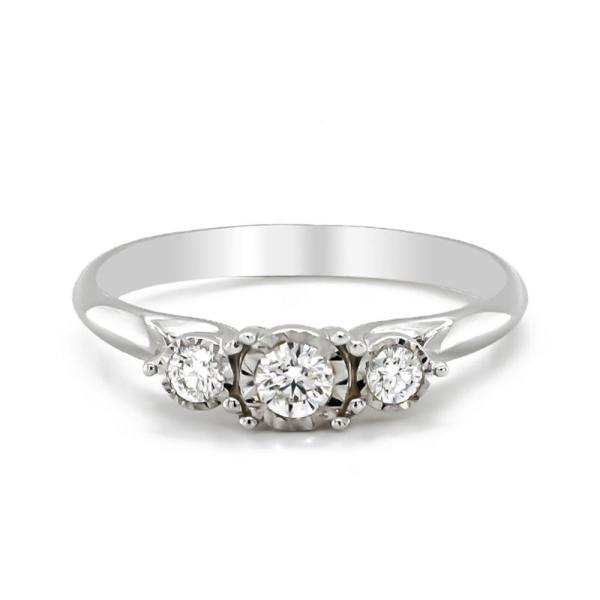 9ct White Gold Three Stone Diamond Illusion Ring.26cts